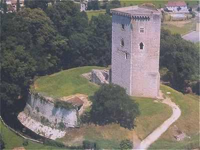 La dame blanche de la Tour Moncade à Orthez